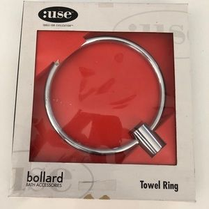 Bollard towel ring